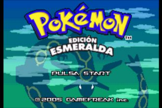 El jugon de movil retrogameando pokemon esmeralda portada